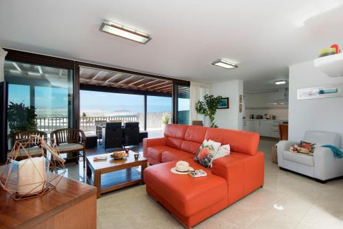 A seating area at Villa Daniela