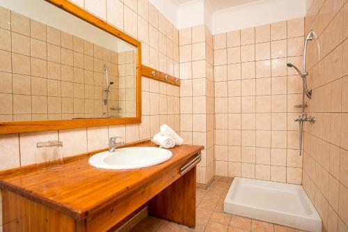 Ванная комната в Aquarius Beach Hotel