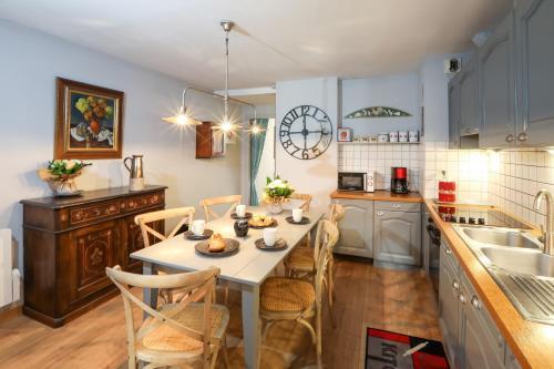Küche/Küchenzeile in der Unterkunft My Sweet Homes - Le 15