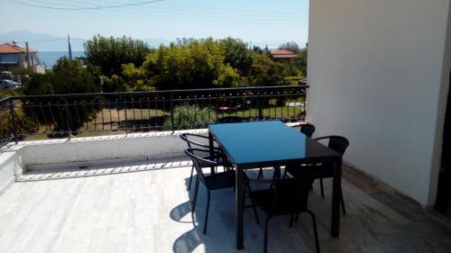 Een balkon of terras bij Katerina Apartments