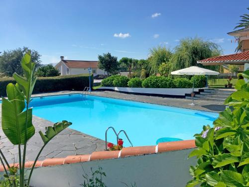 Het zwembad bij of vlak bij Chalet con pìscina en zona de playa
