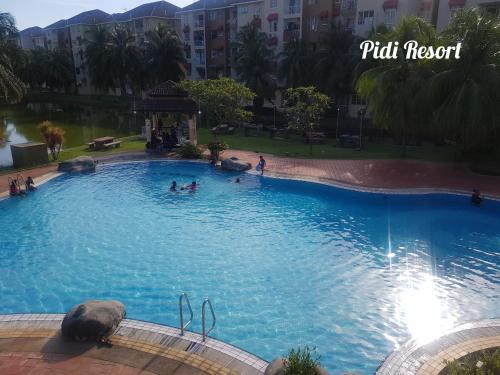 The swimming pool at or close to PD Perdana - Pidi Resort A108