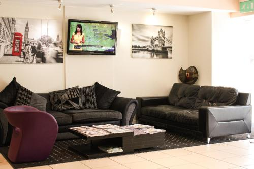 A seating area at Grand Plaza Serviced Apartments