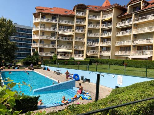 The swimming pool at or close to Fured Apartments