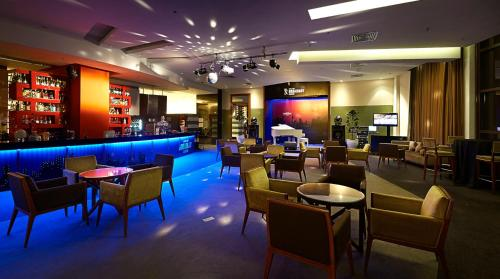 A restaurant or other place to eat at Bukit Bintang Suite At Times Square