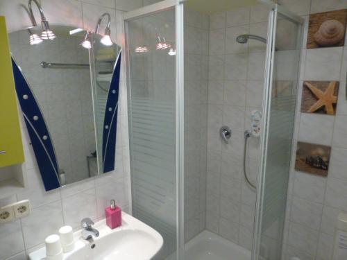 A bathroom at Gästewohnung Benjaro