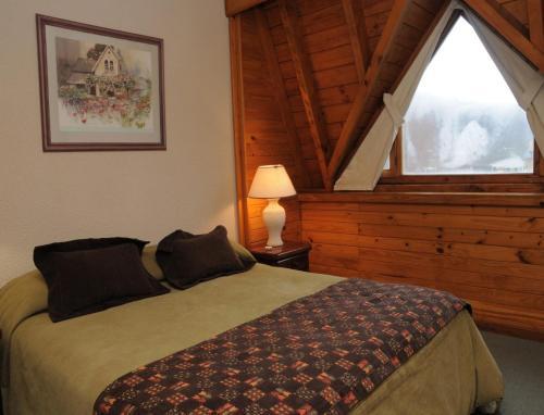 Una cama o camas en una habitación de Village Catedral Hotel & Spa