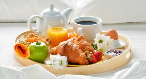 Breakfast options available to guests at Samara Сosmos