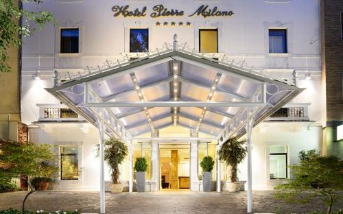 Hotel Pierre Milano (Italia Milán) - Booking.com
