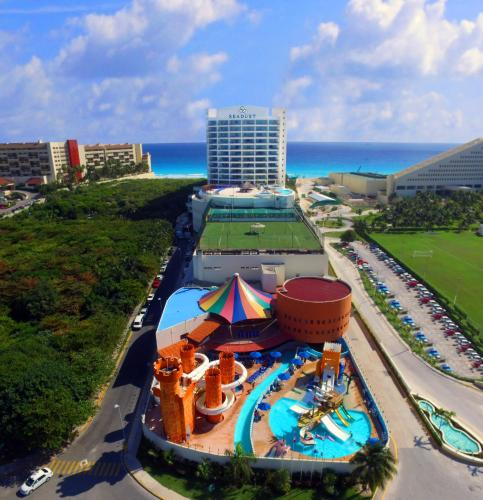 A bird's-eye view of Seadust Cancun Family Resort - All Inclusive
