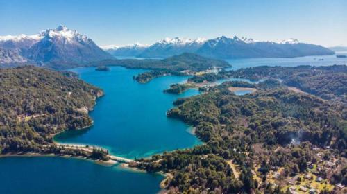 Una vista aérea de Lago Moreno ( Circuito Chico )