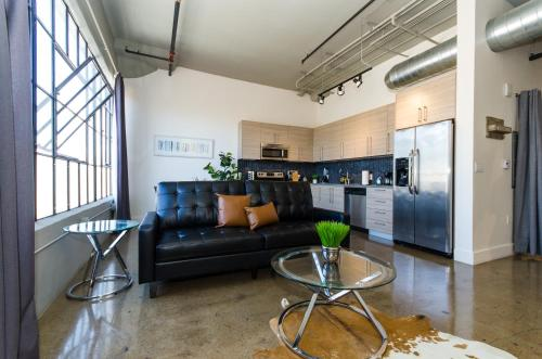 A seating area at Urban Living Loft in DTLA
