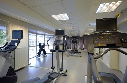 The fitness center and/or fitness facilities at Citadines Les Halles Paris