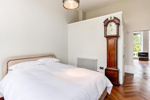A bed or beds in a room at Markwick Terrace
