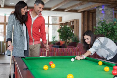 A pool table at CGH Résidences & Spas Kalinda
