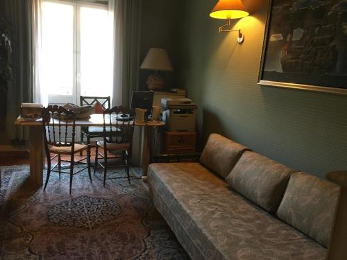 A seating area at Elle house Roma