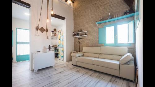 Area soggiorno di casa a 800 metros de la playa de Las Arenas
