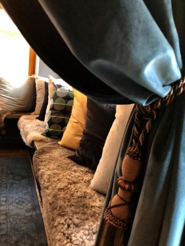 A seating area at Hotell Aqva Restaurang & Bar