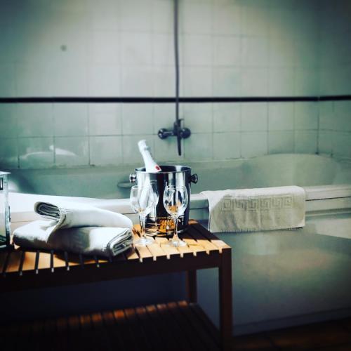 A bathroom at Hostal Moscatel
