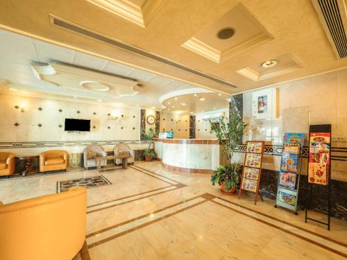 The lobby or reception area at Al Tawfiq Furnished Units
