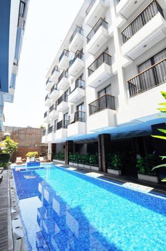The swimming pool at or close to Ping Hotel Seminyak Bali