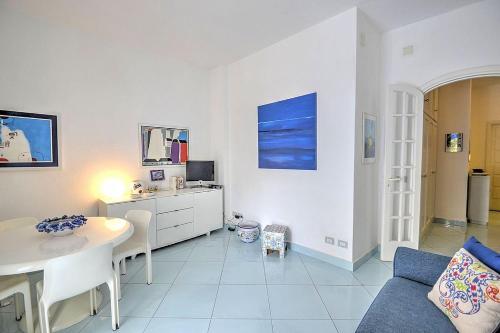 TV o dispositivi per l'intrattenimento presso Positano Villa Sleeps 3 Air Con WiFi