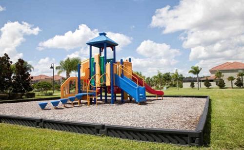 Area giochi per bambini di Paradise Palms-4 Bed Townhome w/Splashpool-3035PP
