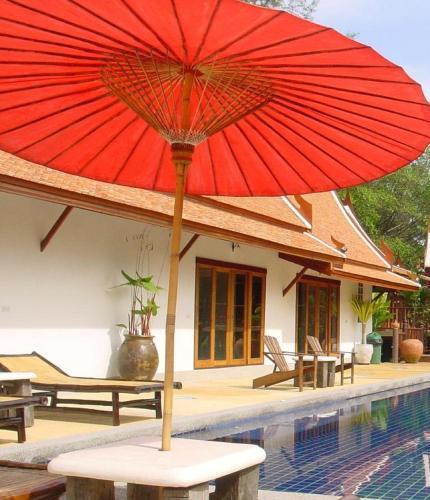 A piscina localizada em Seapines Villa Liberg ou nos arredores