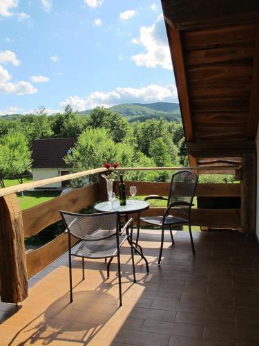 Un balcon sau o terasă la B&B Plitvica Lodge