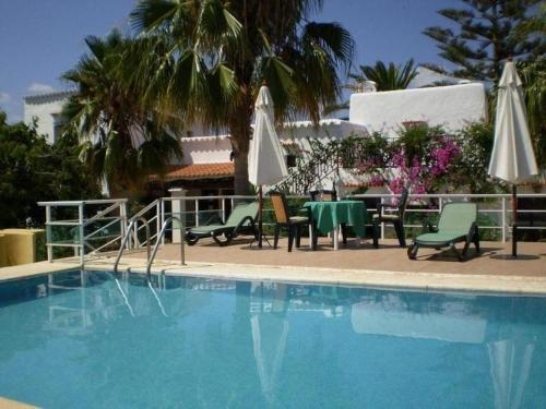 The swimming pool at or close to San Lorenzo de Balafia Villa Sleeps 8 Pool WiFi