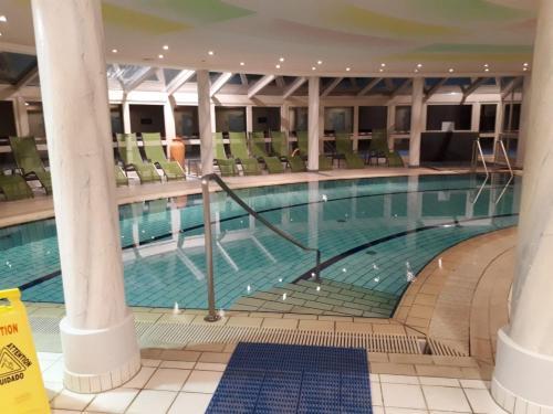 Der Swimmingpool an oder in der Nähe von Ferienhaus Bad Waltersdorf