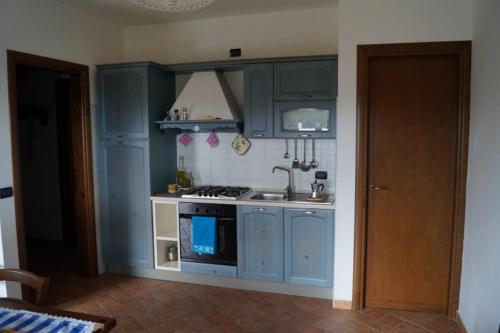 A kitchen or kitchenette at Punti di Vista