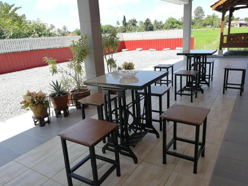 Restoran atau tempat lain untuk makan di Chalet Desa Halban