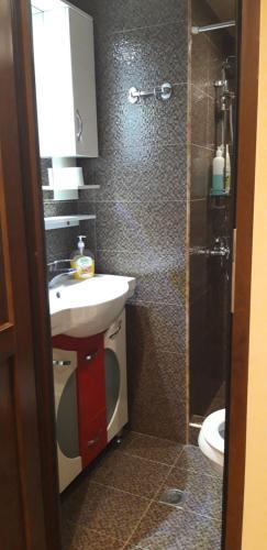 A bathroom at Mariana