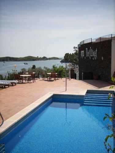 Бассейн в Bungalow Hotel Port-Lligat или поблизости