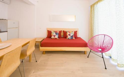 A seating area at Apartamentos Rita