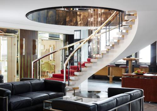The lobby or reception area at Living Hotel Kanzler by Derag