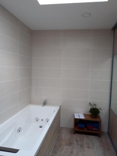Salle de bains dans l'établissement les émeraudes
