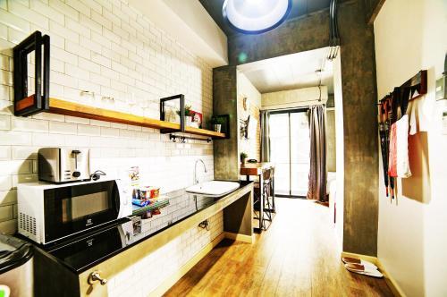 A kitchen or kitchenette at Rent V38