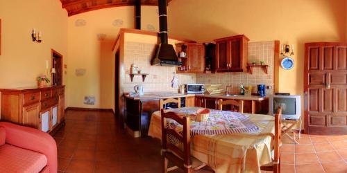 Een keuken of kitchenette bij Finca La Bonita