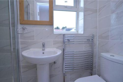 A bathroom at Bourne court