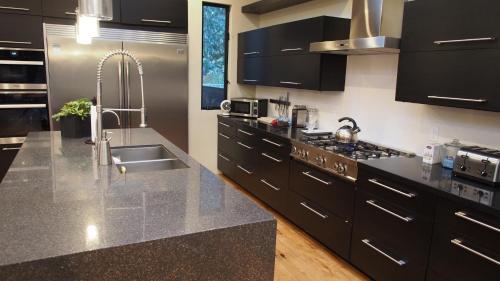 Küche/Küchenzeile in der Unterkunft LaLolA Venice