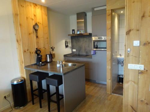 Een keuken of kitchenette bij Crea-Trends Vacations