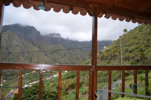 A general mountain view or a mountain view taken from the vacation home