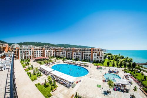 A view of the pool at Prestige Mer d'Azur or nearby