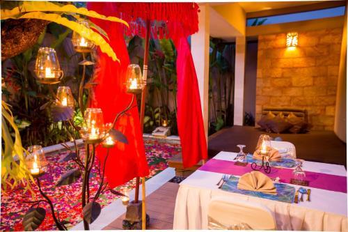 Restaurant ou autre lieu de restauration dans l'établissement Aria Exclusive Villas & Spa