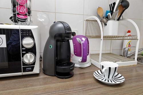 Coffee and tea-making facilities at Apartments Vorsilska