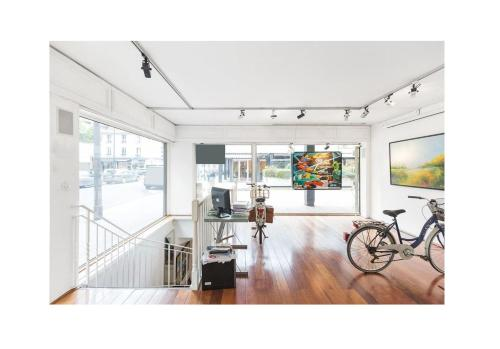 The fitness center and/or fitness facilities at Eiffel Tower / Loft Space