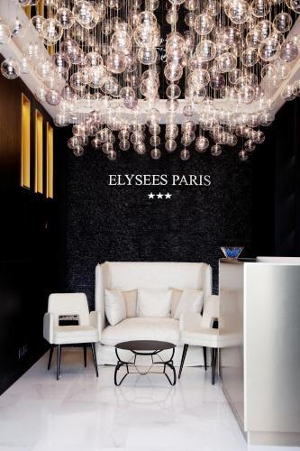 Majoituspaikan Hôtel Elysées Paris aula tai vastaanotto