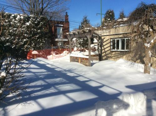 Apart 2 Bedroom 3 beds near metro -Parking Free during the winter